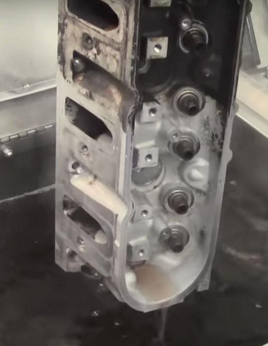 Desengraxante de motor automotivo